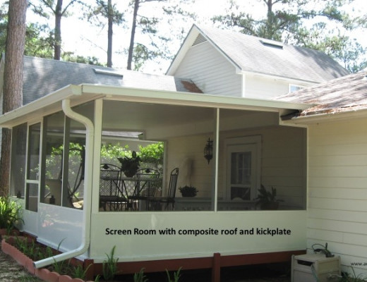 Screen room with composite roof and kickplate
