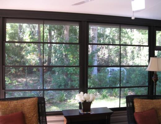 Florida room with horizontal vinyl windows